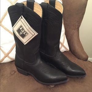 Frye Billy Pull On Boot in black